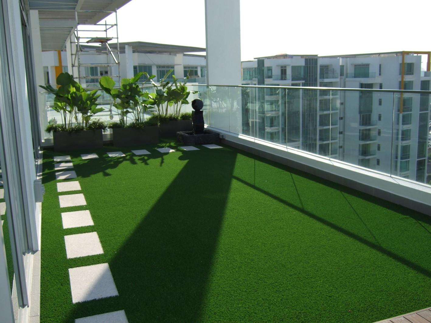 artificial grass outdoor balcony